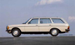 Mercedes Benz S 123 1978 660x400 300x182 - Nieuwe successen voor Peugeot